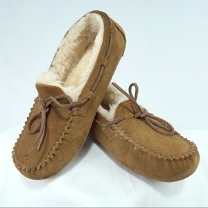 UGG SHEARLING LINED SUEDE MOCCASIN SLIPPER